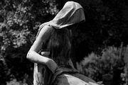Ravona statue