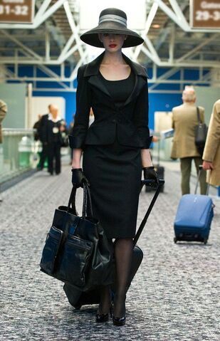 File:Anne-hathaway-tdkr-selina-kyle-catwoman-the-dark-knight-rises.jpg