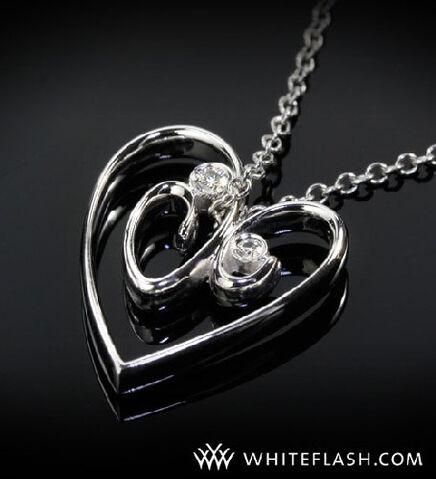 File:Heart-shaped-pendant-with-2-diamonds.jpg