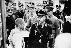 Bundesarchiv Bild 152-11-12, Dachau, Konzentrationslager, Besuch Himmlers