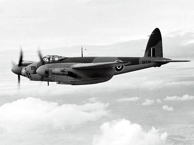 File:De Havilland DH-98 Mosquito ExCC.jpg