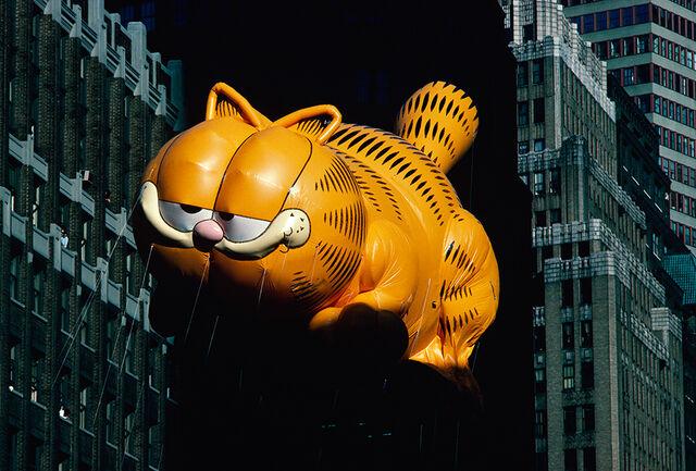 File:Macys Parade Garfielda-copy.jpg
