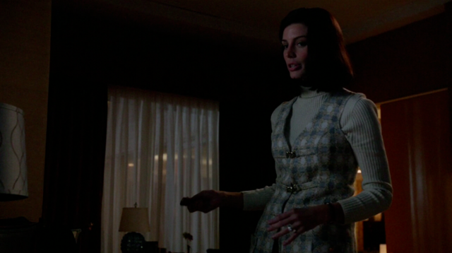 File:6x01 Megans outfits (09).png