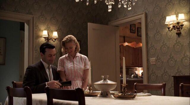 File:Betty don dinner table ladies room.jpg