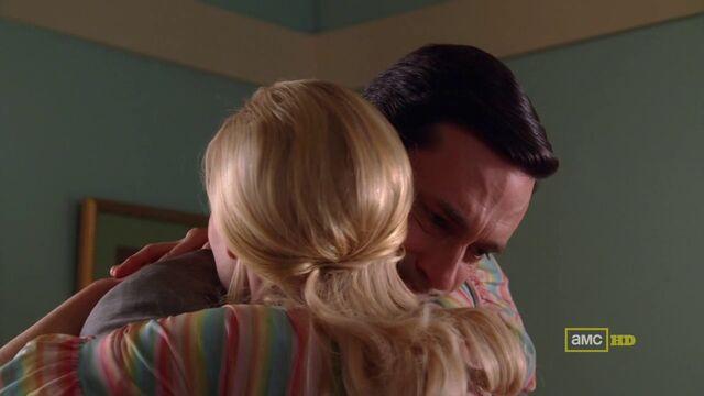 File:The good news don anna last hug.jpg