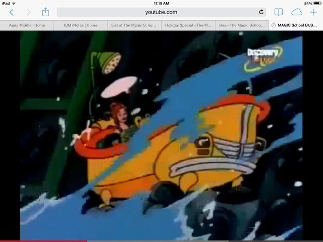 File:Boat from mussel beach.jpg