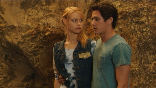 File:Lyla and Zac in Trident Cave.jpg
