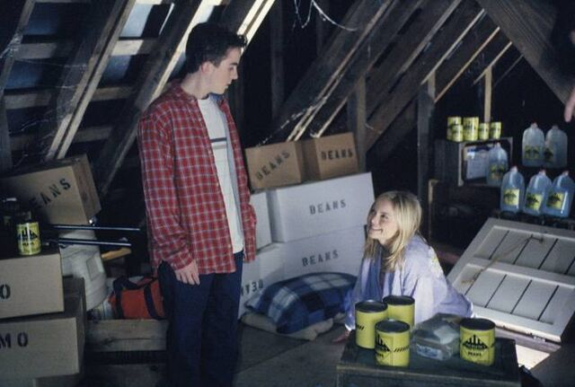 File:Malcolm-in-the-Middle-4x12-Kicked-Out-MITMVC-3.jpg