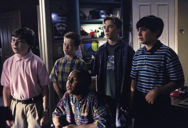 File:Malcolm In the Middle - Set Still - S02E06 (5).jpg