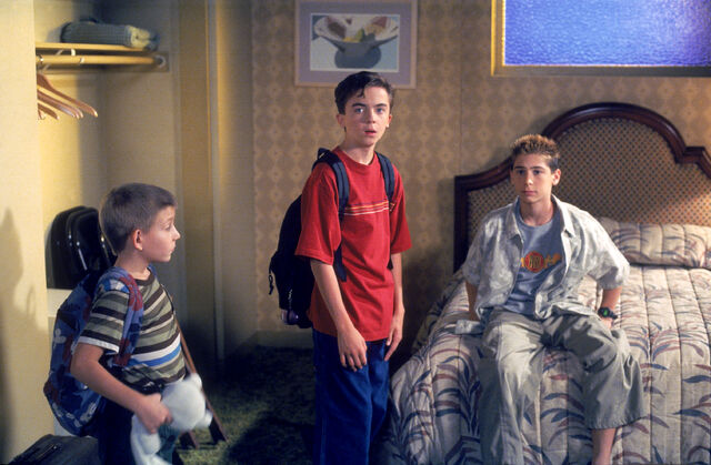 File:Malcolm In the Middle - Set Still - S02E05 (1).jpg