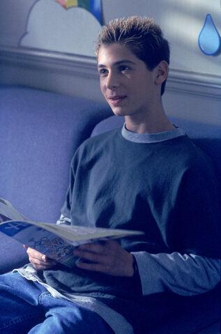 File:Malcolm In the Middle - Set Still - S02E08 (1).jpg