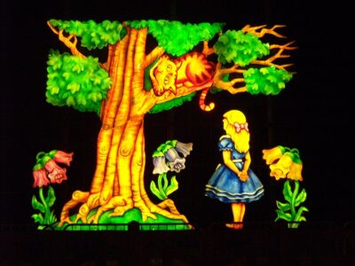 Photo Alice in Wonderland 2006 07 Alice and the Cheshire Cat Lit Up