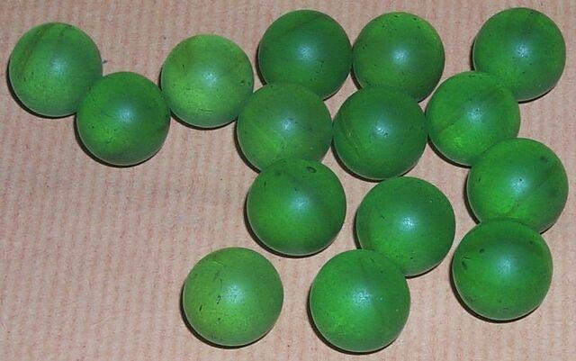 File:Seeds glass beads.jpg
