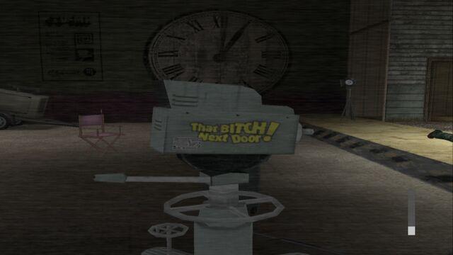 Archivo:Thatbitchnextdoor-r5350 2012-08-19 21-30-01-13.jpg