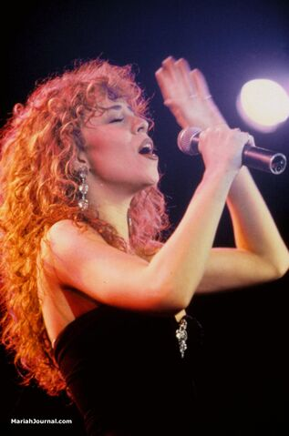 File:Mariahsoultrainawards1.jpg