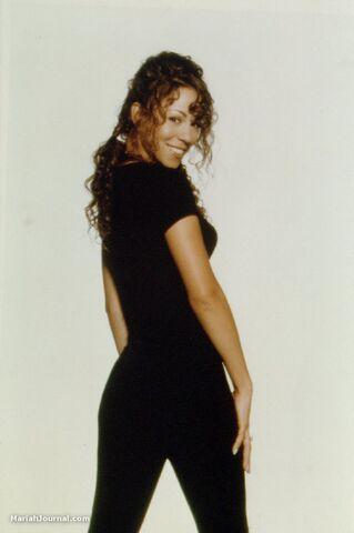 File:Mariahmusicbox3.jpg