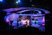 Family fortunes tv set sidelinetv3 small 2 49355
