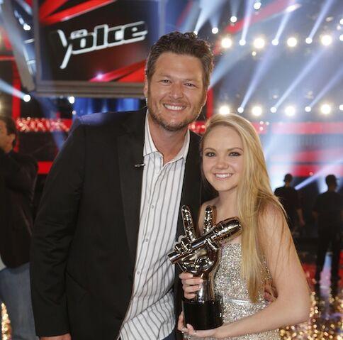 File:Blake-shelton-danielle-bradbery-the-voice-winner-nbc.jpg