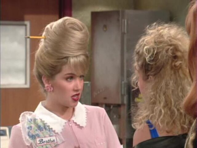 File:Married With Children Kelly Doesn't Live Here Anymore.jpg