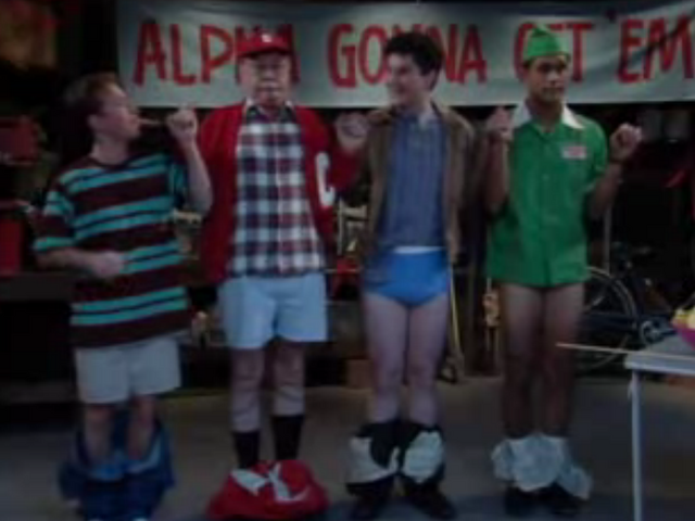 File:MWC episode - Frat Chance - Bud with frat buddies.png