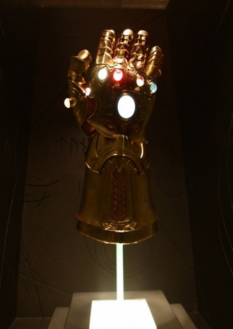 File:Infinity Gauntlet.png