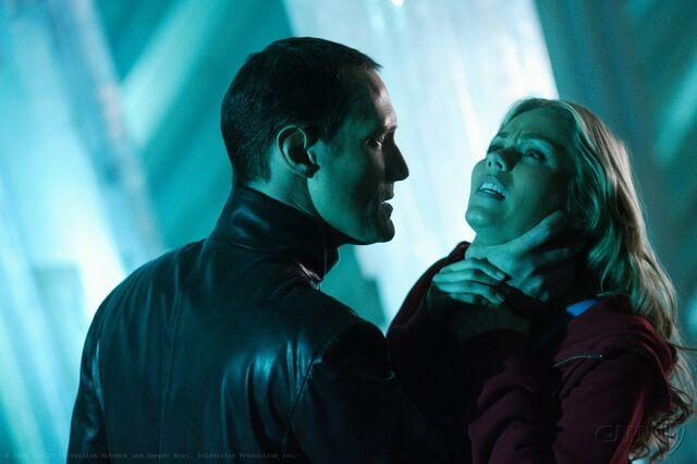 File:Smallville Episode Blue 001.jpg