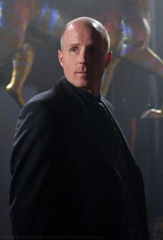 File:Gordon Godfrey Smallville 001.jpg