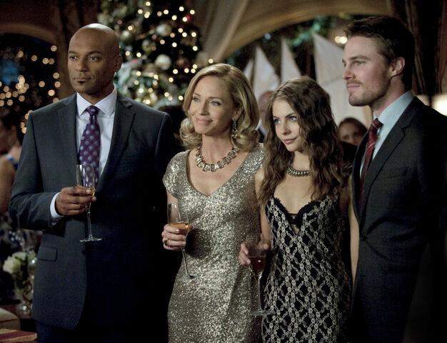 File:Arrow TV Series Episode Years End 001.jpg