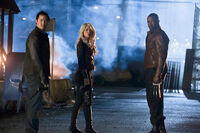 Arrow (TV Series) Episode Identity 001