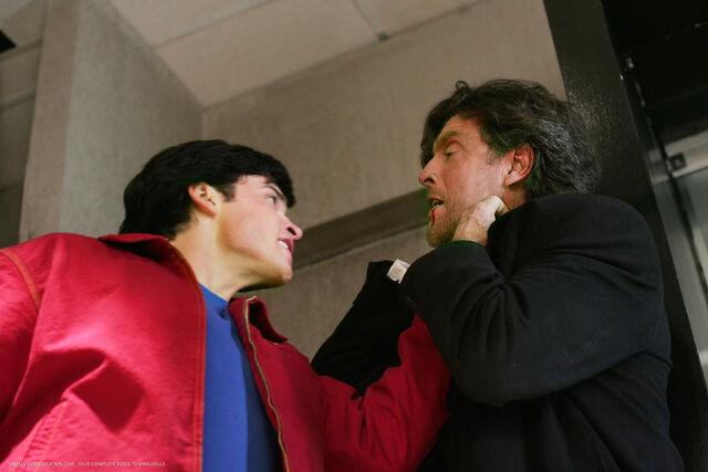 File:Smallville Episode Phantom 001.jpg