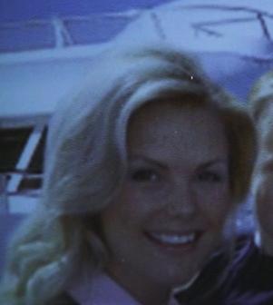 File:Laura Queen Smallville.JPG