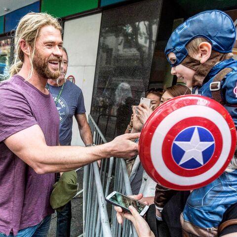 File:Thor Ragnarok BTS 25.jpg