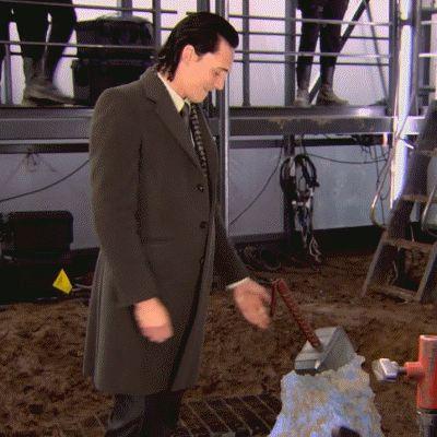 File:Loki behind the scenes Thor 03.jpg