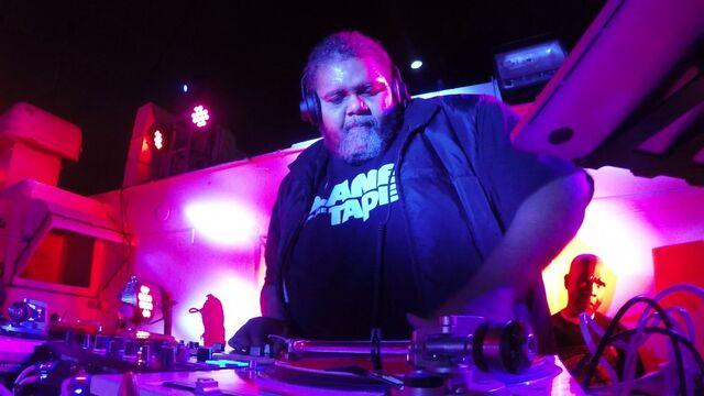 File:DJ Mark Luv.jpg