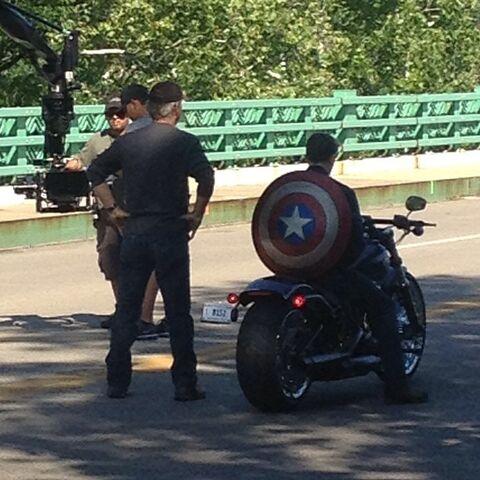 File:Film set pic Captain America 2 04.jpg