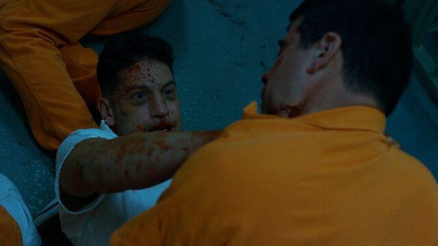File:Punisher-PrisonFight-ThroatStab.jpg