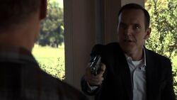 Phil-Coulson-threatens-Hank-Thompson