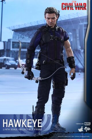 File:Hawkeye Civil War Hot Toys 4.jpg