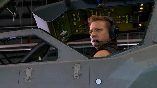 File:Avengers-movie-image-jeremy-renner-01.jpg