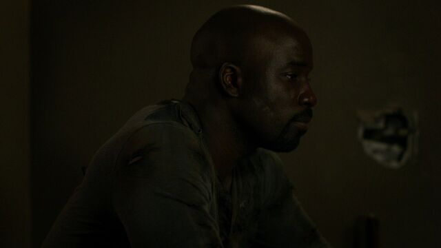 File:LukeCage-JJApartment-S1E12.jpg
