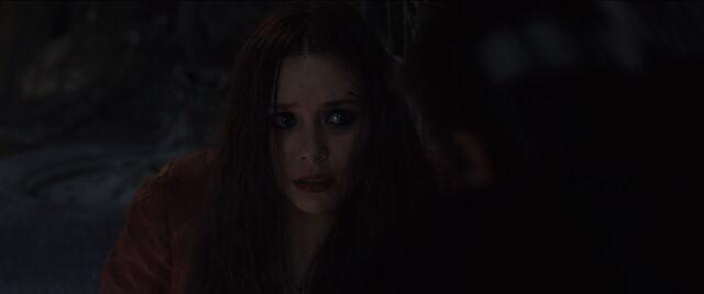 File:Scarlet-Witch-Hawkeye-PrepTalk.jpg