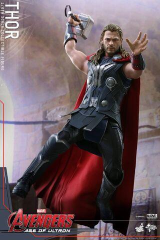 File:Thor AOU Hot Toys 6.jpg
