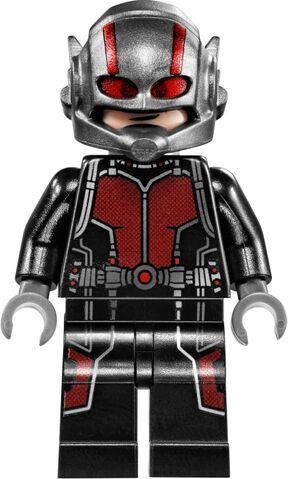 File:Ant-Man Lego final battle 3.jpg