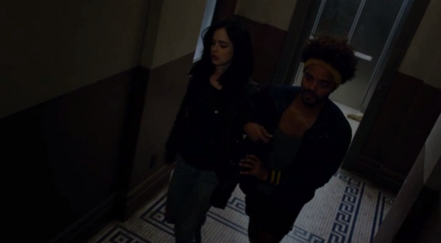 File:JJS01E7 Malcolm helps Jessica.png