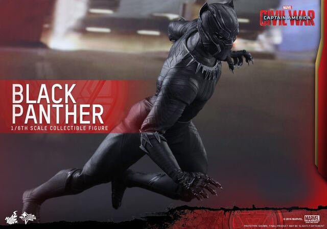 File:Black Panther Civil War Hot Toys 2.jpg