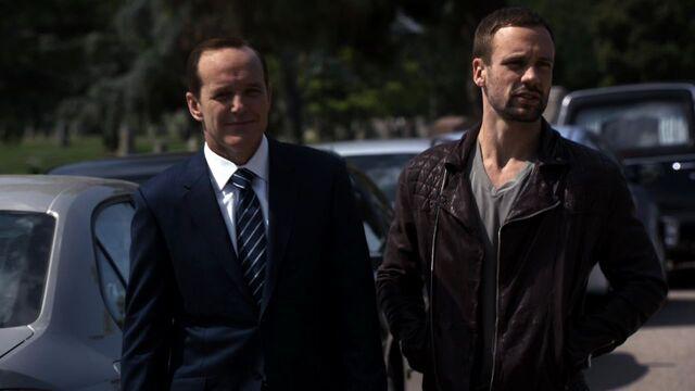 File:Lance-Hunter-Phil-Coulson-Funeral.jpg