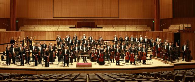 File:London Philharmonic Orchestra.jpg