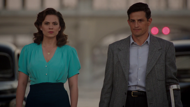 File:Agent Carter & Chief Sousa (2x02).png