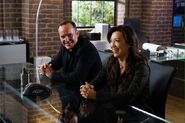 Coulson and May BTS