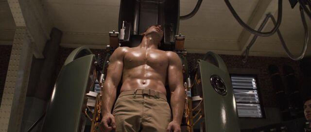 File:Captain-america-disneyscreencaps com-4113.jpg